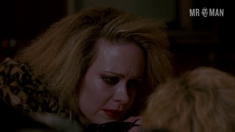 Ahs br 5x01 greenfield hd 02 large 3