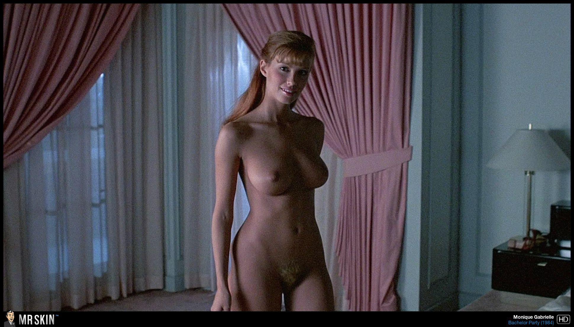 monique-gabriela-curnen-in-soa-naked