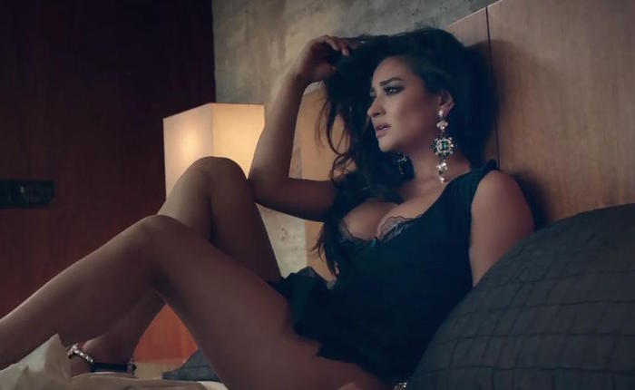 Shay mitchell ceb886 infobox 48489a15 featured