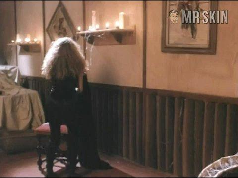 Vampirella harney 01 frame 3